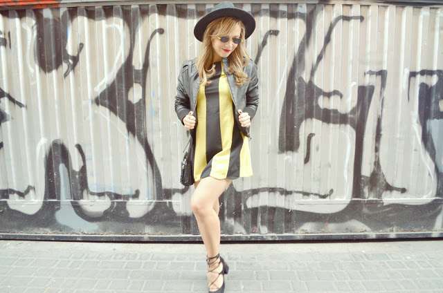 Bolsos-Pepe-Moll-Chic-Adicta-blog-de-moda-ChicAdicta-fashionista-look-de-otono-fall-outfit-stripes-dress-vintage-girl-urban-style-moda-PiensaenChic-Piensa-en-Chic