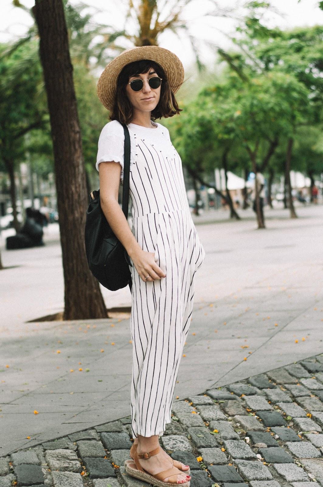 tee_jumpsuit_bershka_polka_shoes_sandals_lack_of_color_pepe_moll_bag_-12