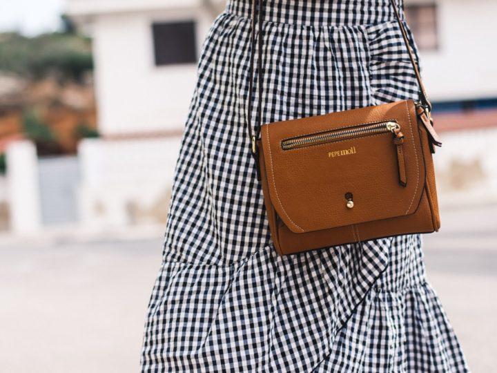 ¿Quieres saber que blogger luce este bolso de Pepe Moll?
