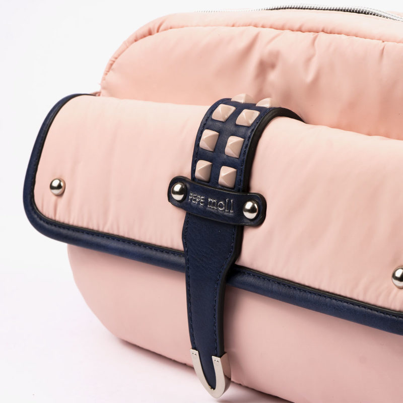 20127 bolso bandolera rosa detalle