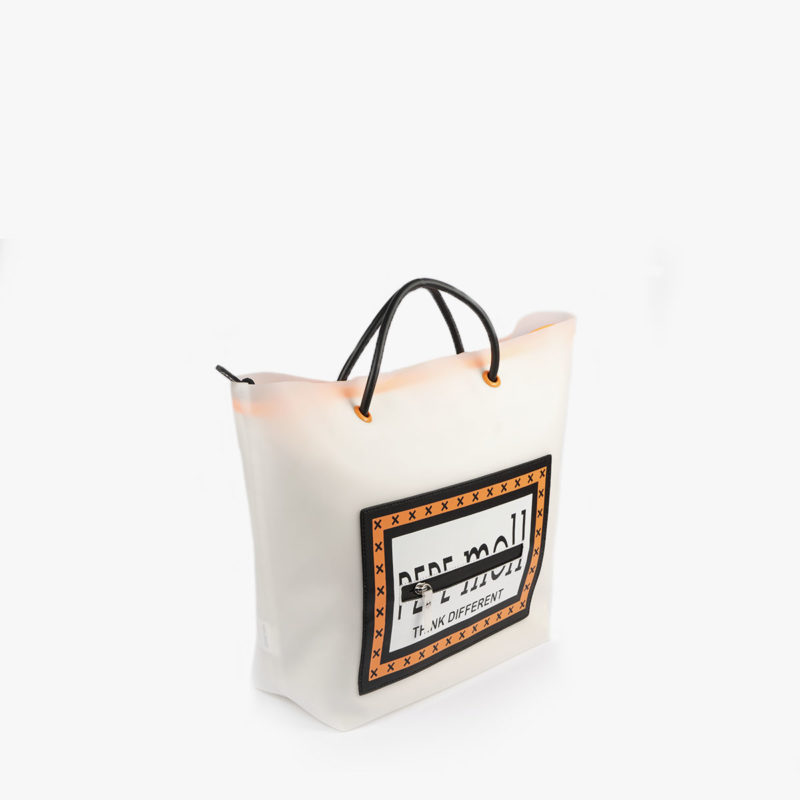 bolso de hombro con vinilo blanco pepemoll 26125 perfil