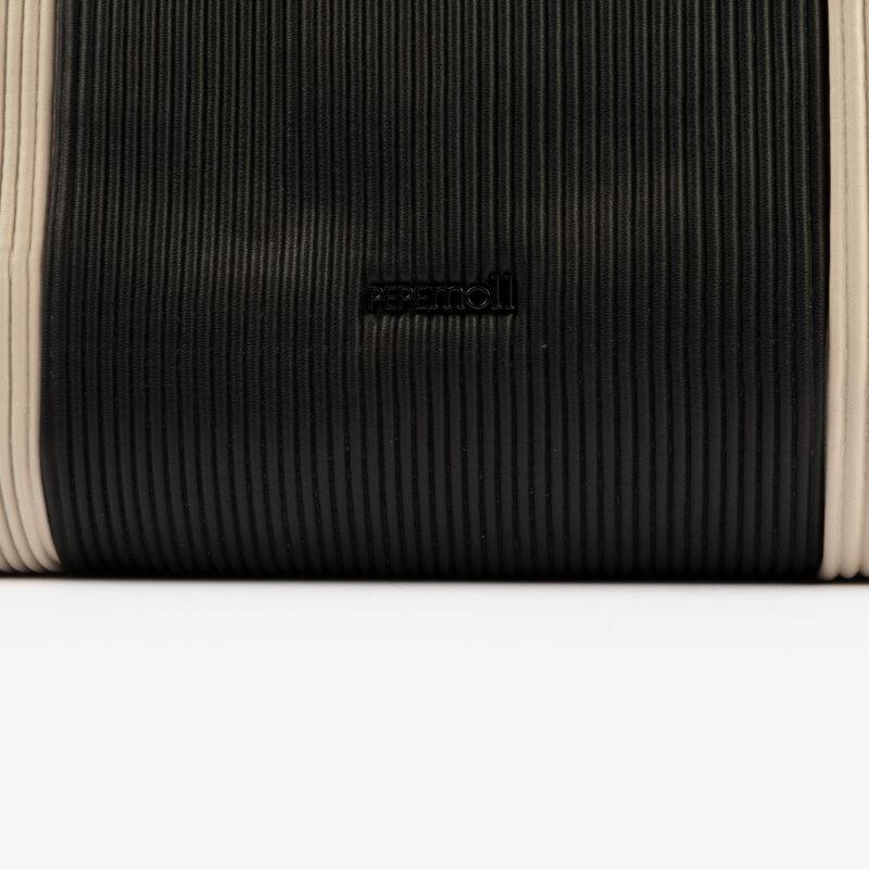 44120 bolso de mochila dorado pepemoll detalle (1)