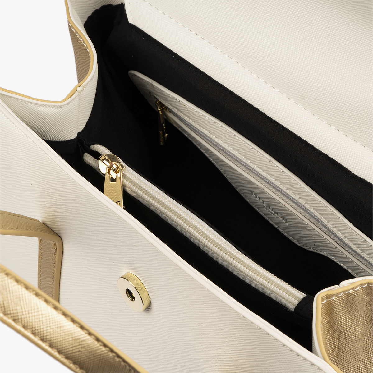 bolso de mano blanco con detalles dorados pepemoll 14125