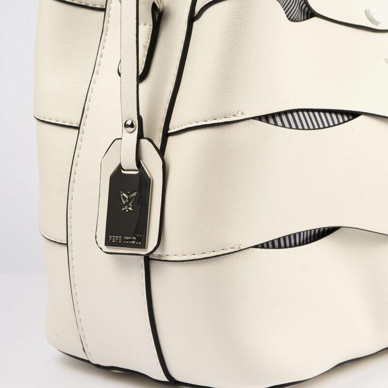 bolso de hombro en color blanco pepemoll 24120 detalle