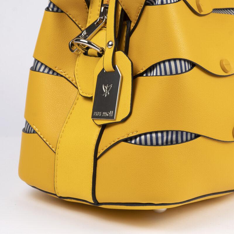 bolso de hombro en color amarillo pepemoll 24121 detalle