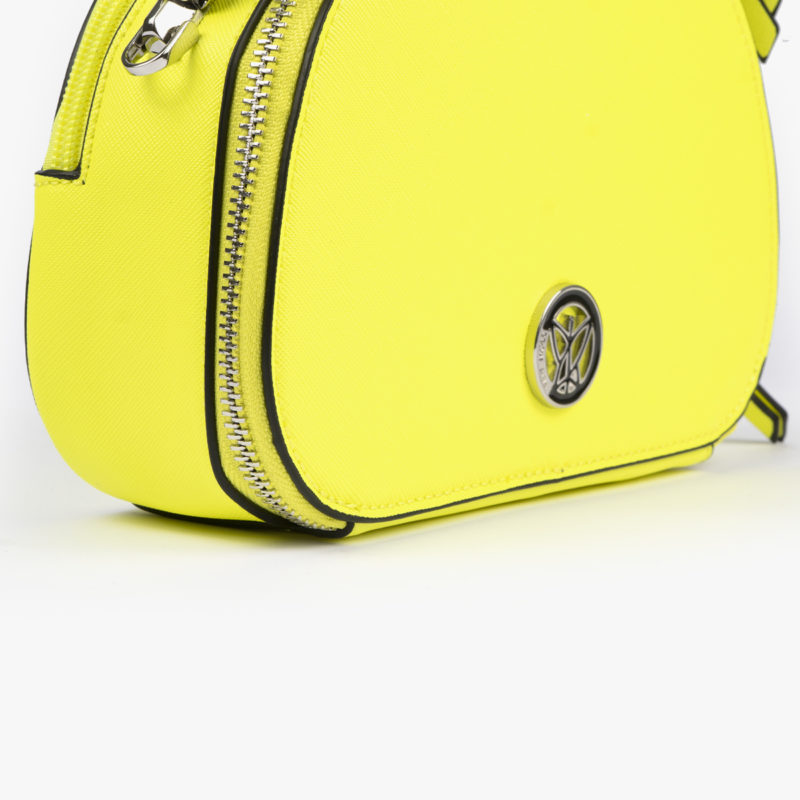 bolso de mano con tono fluorescente e color lima 29118 detalle