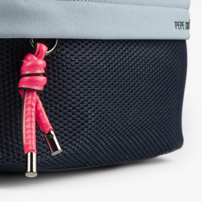 bolso bandolera negra con tonos color azul y detalles fluorescentes 35121