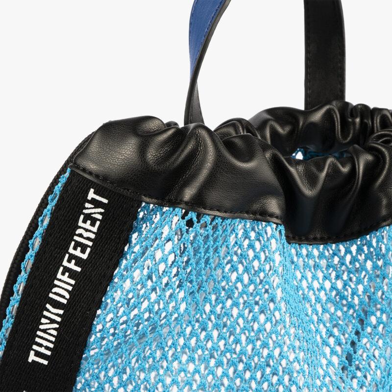 bolso mochila de malla azul pepemoll 51151 detalle