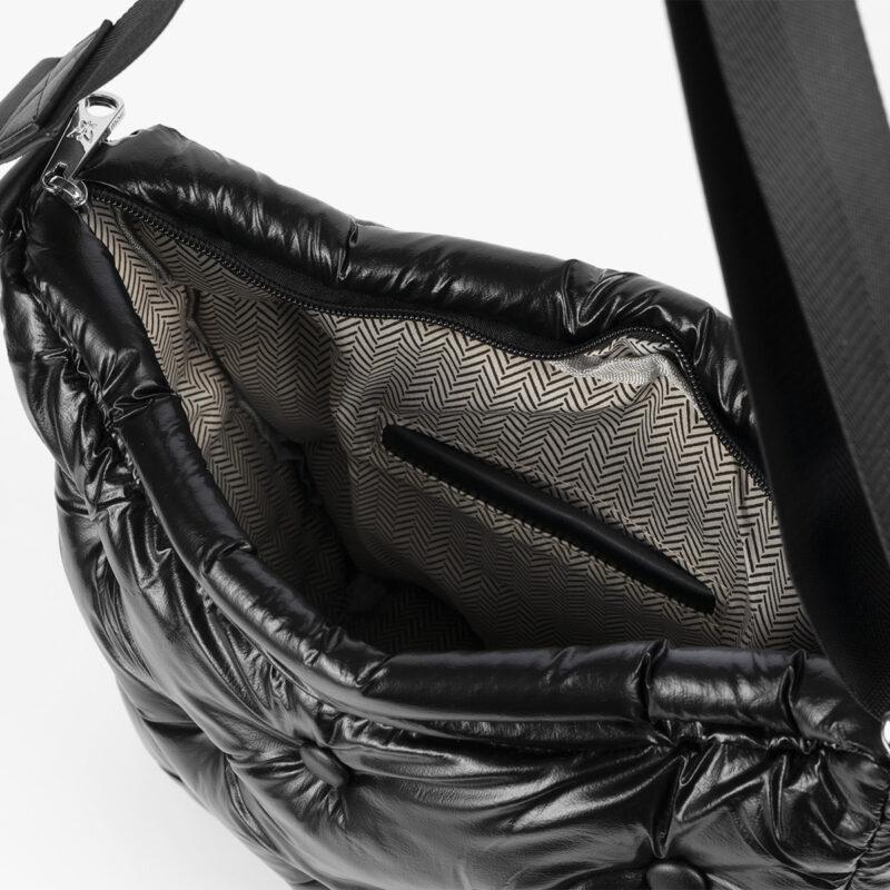19005 chester negro interior