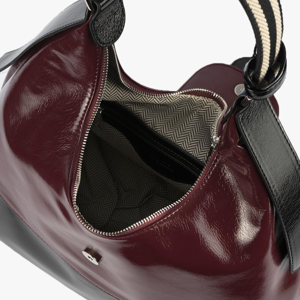45117 vernice cherry vernice negro interior