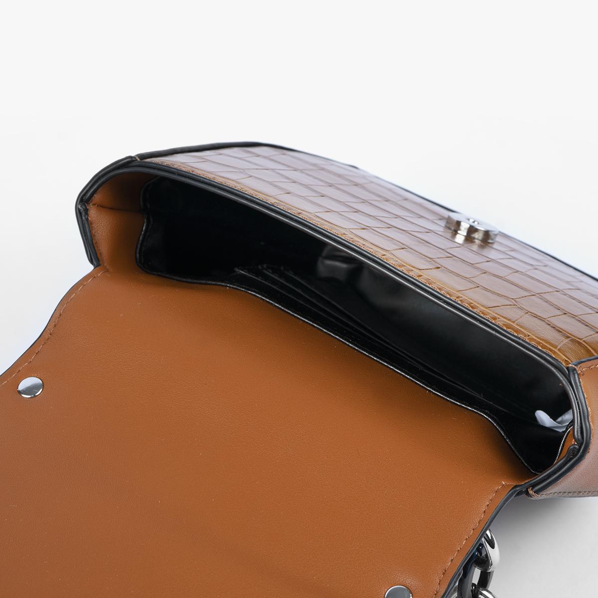 37112 omega cuero coco cuero interior